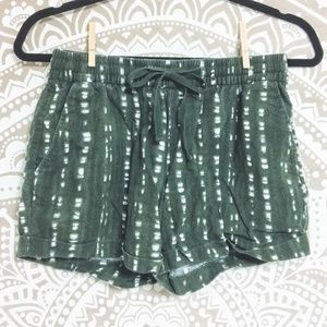 Old Navy Green and White Tie Shorts